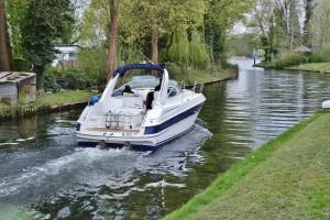 powerboat-739844_1920web